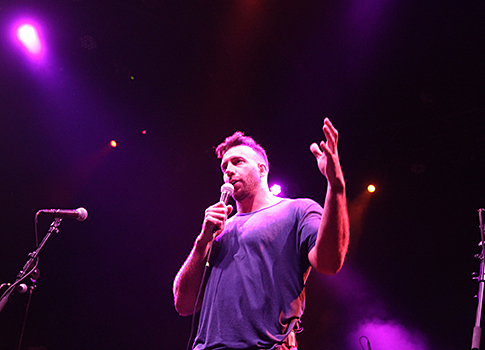Connor Barwin of the Philadelphia Eagels speaks at the 2nd annual MTWB Foundation concert.