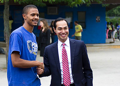 Above: Paul Johnson shakes hands with U.S. Secretary of Housing and Urban Development Julian Castro during his PowerCorpsPHL program. Photo Credit: PowerCorpsPHL